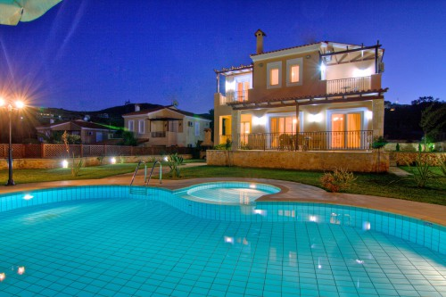 Sea view villa with private pool in Gerani