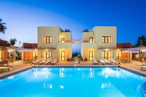 Fully equipped 4 villas complex only 200 m. from the beach