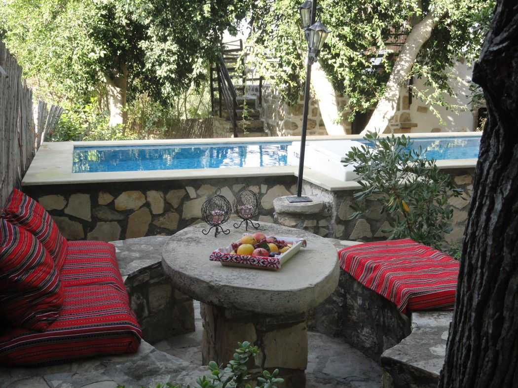 Traditional villa Lithos with private pool and garden