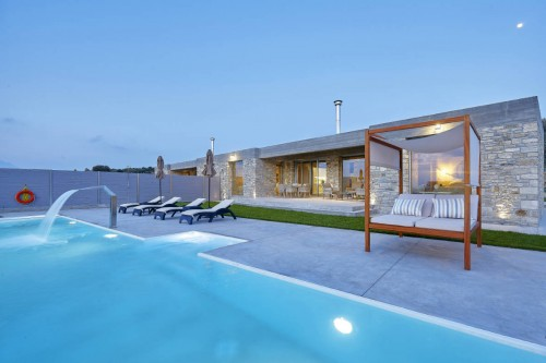 Contemporary Luxurious  Pool Villa, Kamilari, South Crete Ι