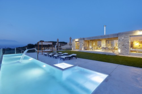 Contemporary Luxurious Pool Villa, Kamilari, South Crete ΙI