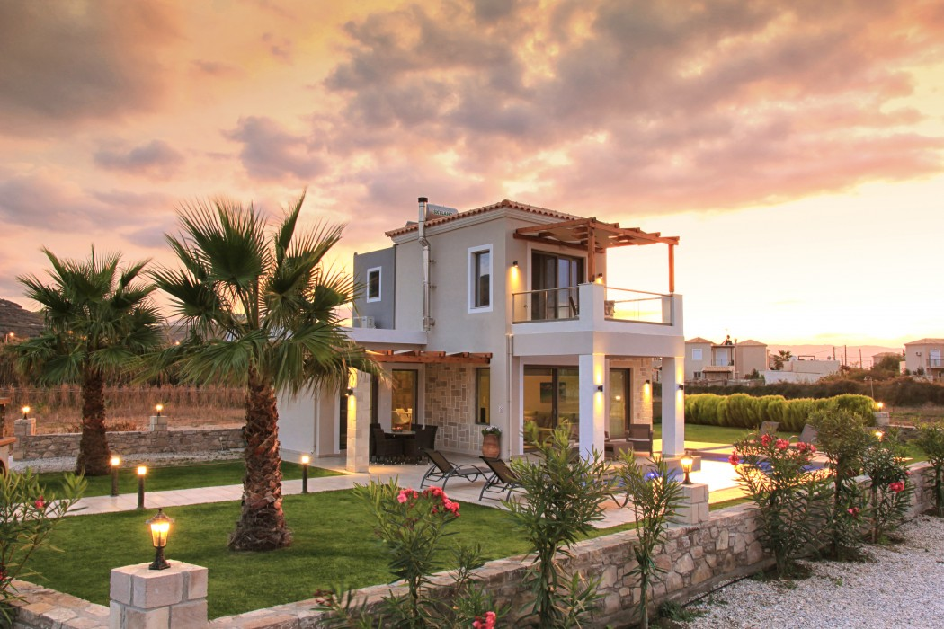 New 2016 Alexandros villa with private pool BBQ facilities!!