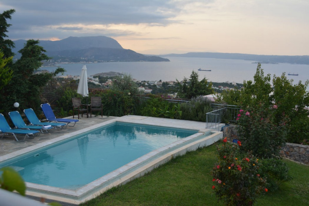Villa to rent with excellent sea view Chania