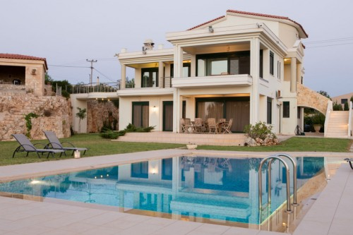 Sea View Holiday Villa of 26 Guests Cap. in Akrotiri, Chania
