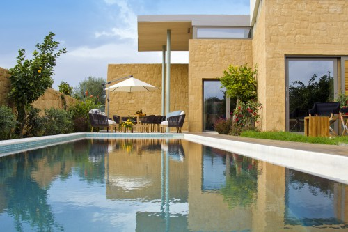 Luxury stone made villa with  private swimming pool in Kontomari