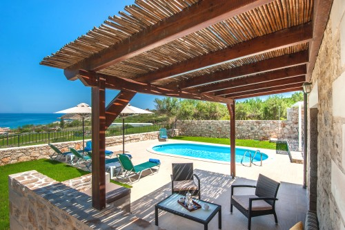 Enjoy the amazing view by your private pool in Stavromenos, Rethymno