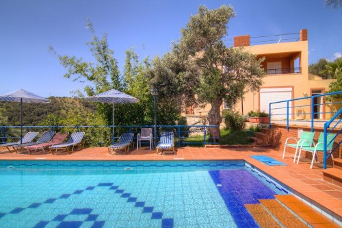 FIVE BEDROOM VILLA DOMENIKO IN PLAKIAS