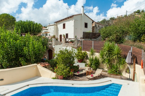 Exclusive detached recently renovated Cretan villa of 1800's
