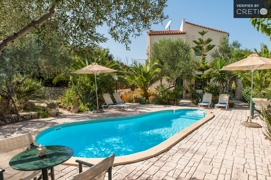 Villa for holidays with pool near Chania