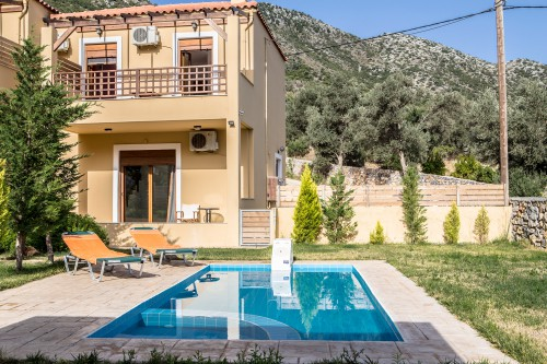 Three bedroom villa with private pool in Vlichada