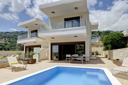 Elegant Villa with Private Swimming Pool