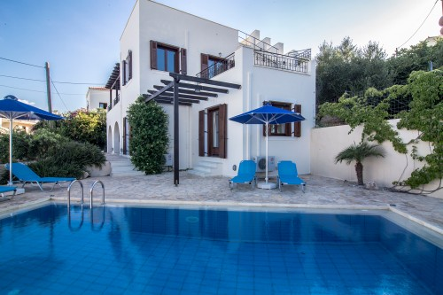 Pool villa with cretan colour and great view to Almyrida bay