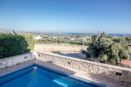 Comfort villa in Rethymno region, sea view and  private pool