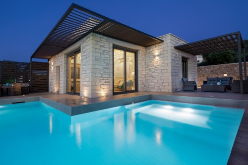 Luxury Villa with spacious pool and amazing views