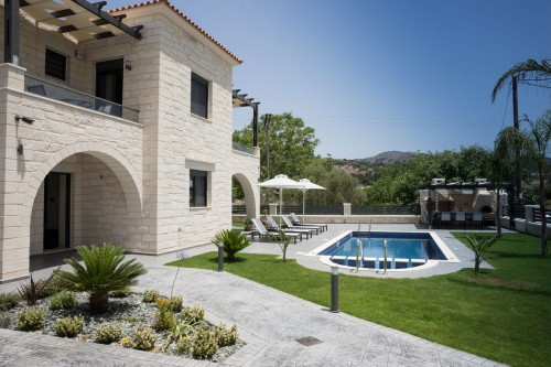 Luxury holiday villa Azalea in Almyrida, Chania