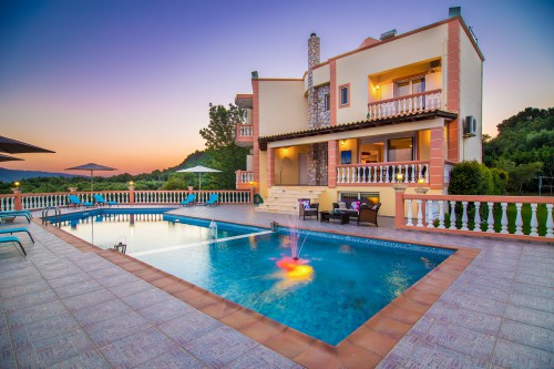 Luxury villa with pool and great view, Chania