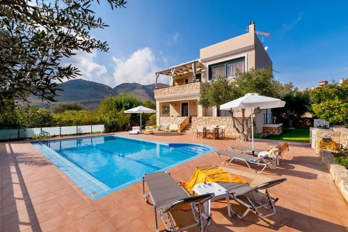 Relaxing holiday pool villa in Megala Chorafia, Chania