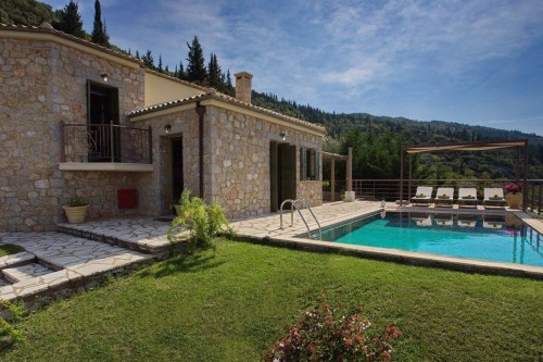 Two bedroom elegant villa in Lefkada with great nature view