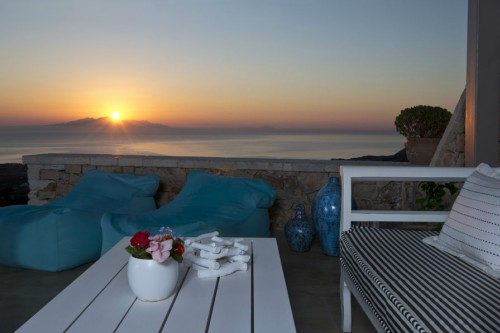 Senior villa with magnificent view of the sea in Santorini