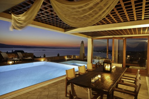 Luxurious private seaside villa with wonderful view in Naxos