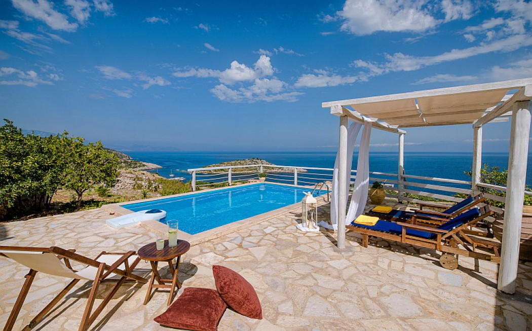 3 bedroom villa Sofia with Jacuzzi &private pool & sea view