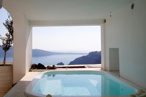 Fully equipped villa with magic view in Oia, Santorini