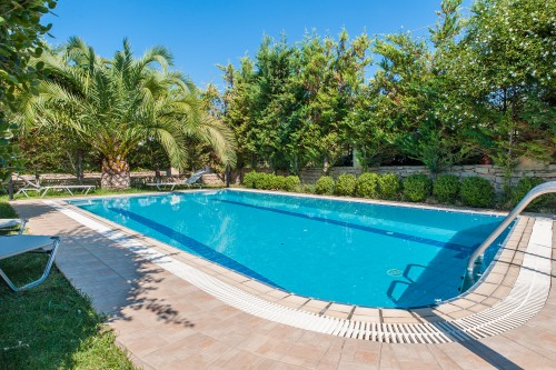 Three bedroom modern pool villa with gardens
