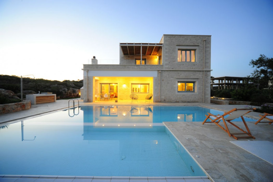 Luxury villa with private pool near Chania