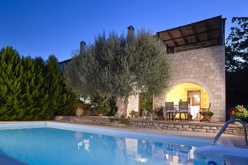 Three bedroom traditional villa in an olive grove